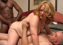 The horny plumper with the shaved pussy and the huge natural tits has sex with a slender guy